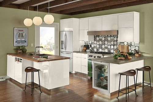 High_Gloss_Foil_Kitchen_in_Dove_White.jpg
