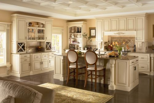 Maple_Kitchen_in_Biscotti_with_Cocoa_Glaze_Featuring_Classic_Camed_Glass_Doors.jpg