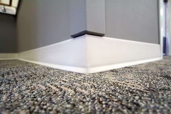 carpetcornermoulding.jpg