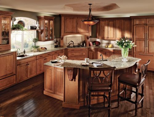 Cherry_Kitchen_in_Burnished_Ginger_Featuring_Vista_Mullion_Glass_Doors.jpg